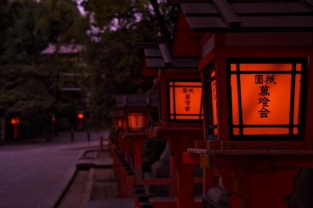 暮れ時灯籠