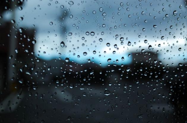 雨のむこう